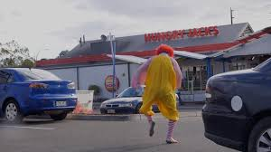 burger king halloween horror nights 2016 ronald mcdonald tastes burger king youtube