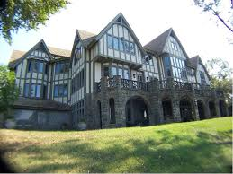 english tudor home english tudor homes doesn t this look like the back of jt s house