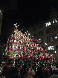 singing christmas tree picture of bahnhofstrasse zurich