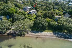 matakana coast waterfront beach loft in matakana rodney district