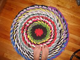 Braided Rugs Decorating Charming And Colorful Round Braided Rugs On Wooden