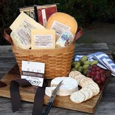 gourmet cheese gift baskets 73 best make a gift basket images on candy bouquet