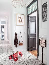 Idee Amenagement Couloir by Un Appartement Entre Vintage Et Classique Planete Deco A Homes