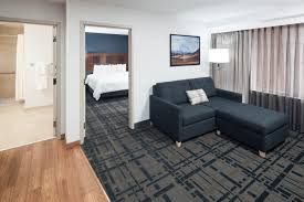 rooms embassy suites anchorage
