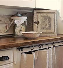 cuisine cacher plan de travail et rideau pour cacher le lave vaisselle cuisine