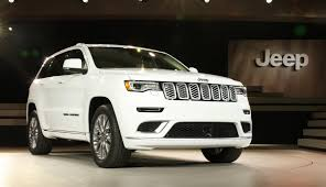2017 Jeep Grand Cherokee Earns 5 Star Overall Rating From The