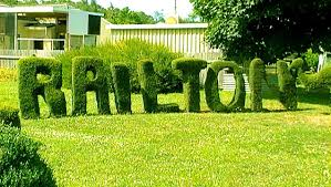 Bunny Topiary Frame Topiary Town In Tasmania Youtube
