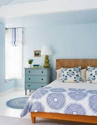 Beach Bedroom Ideas by White Beach Bedroom Decor With Modern Wood Bed Frame And Adjacent