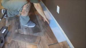 How To Snap Together Laminate Flooring How To Install Snaptogether Laminate Flooring Hgtv How To Install