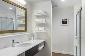 Newport Bathroom Centre Hampton Inn U0026 Suites Newport Ky Booking Com