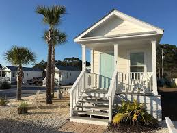 beach therapy adorable tiny beach cottage vrbo