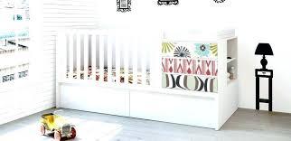 oignon dans la chambre oignon chambre bebe le oignon coupe sous lit bebe icallfives com