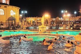 bagno termale e piscina széchenyi les bains széchenyi à budapest