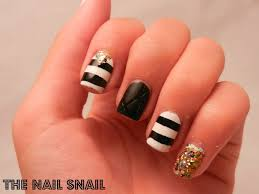 the nail snail black and white skittlette