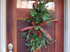 Christmas Decoration For Front Door by 10 Christmas Door Decorations Diy