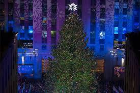 the 2016 rockefeller center christmas tree lights up new york city