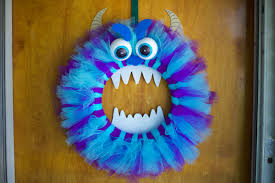 things to make for halloween decorations fun halloween monster wreath youtube