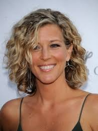 hairstyles with perms for middle length hair style your short curls in 50 ways shoulder length perm and spiral