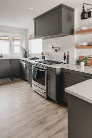 white kitchen cabinets black tile floor 25 ways to style grey kitchen cabinets