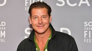 trading spaces host trading spaces does ty pennington have designer experience