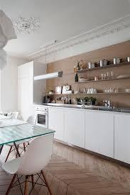 cuisine appartement parisien cuisine d un appartement haussmannien à desiron lizen