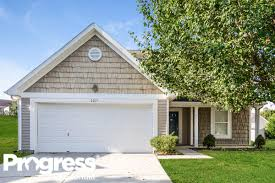 Garage Doors Charlotte Nc by 8211 Holly Tree Ln For Rent Charlotte Nc Trulia