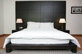 Modern Platform Bed Bedroom With Reading Lamp Incandescent Swing