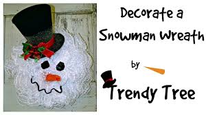how to decorate a snowman wreath