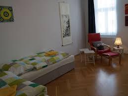 Wohnzimmerm El Ums Eck Ferienwohnung Im Stadtzentrum Mieten Drei Zimmer Wohnung Im