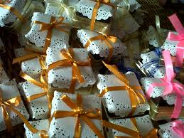 What To Give For A Wedding Gift Pretty Sweets Door Gift Brownie In A Pack