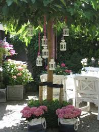 Shabby Chic Garden by How To Decorate A Garden In A Shabby Chic Style Italian Luxury