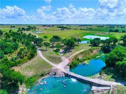 Land For Sale With Barn Taylor Land Farms And Ranches For Sale Longhornrealty Net