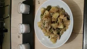 cuisiner les paupiettes de porc paupiettes de porc pdt haricots plats chignons frais sauce à la