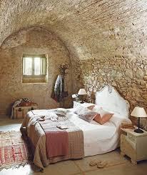wohnideen bessere lebens schlafzimmer wohnideen schlafzimmer rustikal beige naturstein wandgestaltung