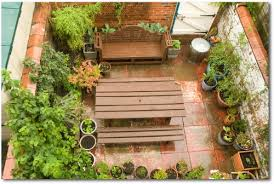 creative of small backyard vegetable garden ideas small backyard