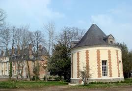 chambre d hote insolite normandie le colombier du château à serquigny eure normandie location