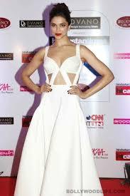 5 Deepika Padukone Controversies That Stunned Bollywood - deepika padukone sonam kapoor lisa haydon 5 bollywood actresses