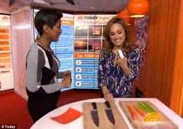 ouch chef giada de laurentiis slices finger during