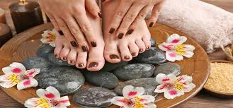 steps to do manicure and pedicure at home