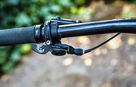 wolftooth remote light action review wolf tooth remote dropper lever bike magazine
