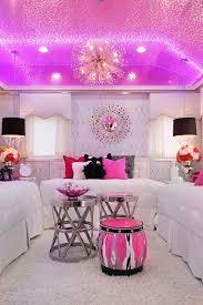 mã dchen zimmer mädchen zimmer design mit glänzender decke rosa hocker und kissen