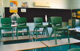 Student Chairs With Desk by Travel Oops U201ci U0027m Sorry She U0027s Left The Country U201d Travel Oops
