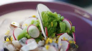 cuisiner maquereau frais maquereaux à cru huile d olive citronnée radis et émulsion petits