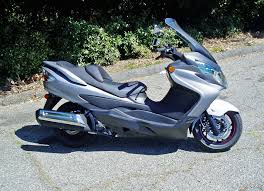 review 2013 suzuki burgman 400 abs upper class scooting the
