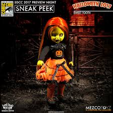 halloween 2017 mezco previews new one 12 collective and more for sdcc 2017 the