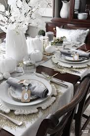 how to set an table for the holidays for less setting