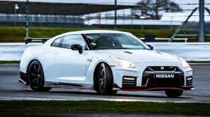 nissan gtr nismo specs top gear u0027s 2017 nissan gt r nismo review top gear