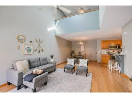 Livingroom Realty 13216 Aberdeen Street Ne Blaine Mn 55449 Mls 4850313 Edina