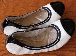 Dexflex Comfort Flats Dexflex Claire Scrunch Flats White U0026 Black Diosa Pinterest