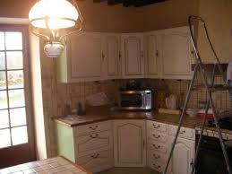 comment repeindre une cuisine en bois renover cuisine bois stunning cuisine avec plan de travail et lot